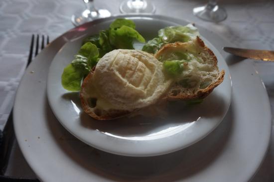 Ferme Auberge de la Cote Blanche : salade de chévre chaud