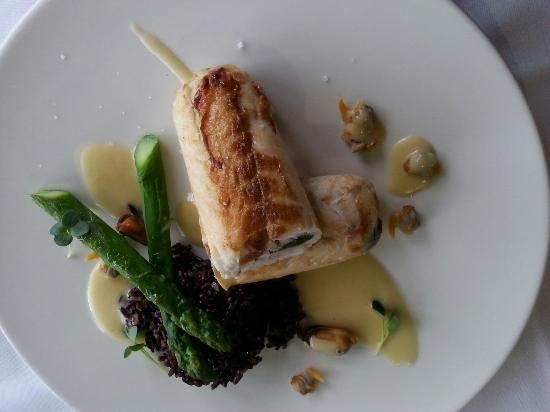 Beguey, Prancis: Doskonała kuchnia w hotelowej restauracji otrzymała rekomendacje Michelina