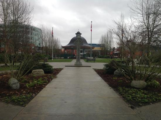 เมเปิลริด์จ, แคนาดา: Nicely kept park