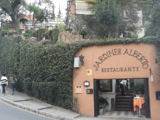 Restaurante jardines alberto en granada con cocina otras for Jardines de alberto granada