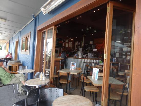 Otorohanga, Nowa Zelandia: Indoor and Outdoor dinning