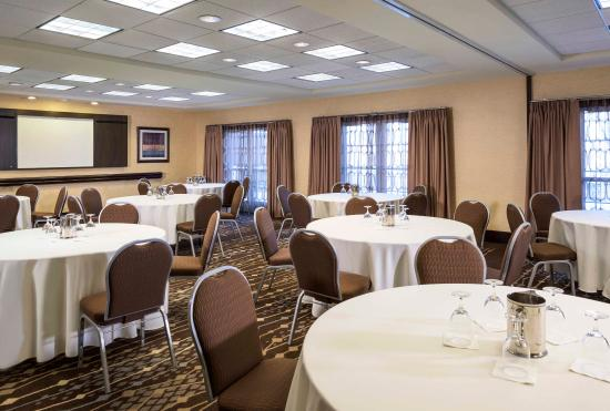 Hampton Inn & Suites Yonkers: Meeting Space