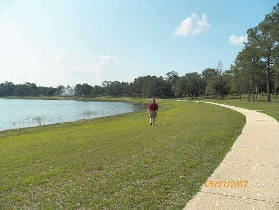 DeFuniak Springs, FL: perfect round lake