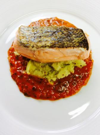Липтовски Ян, Словакия: Salmon with Bois Boudran sauce