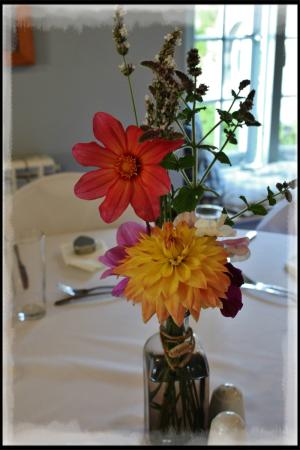 Ulverston, UK : Simple table decoration