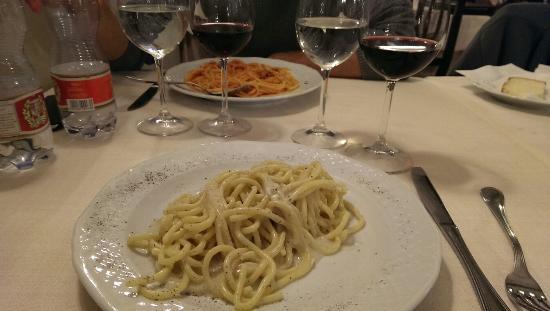 Cucina romana fotograf a de taverna barberini roma for Cucina romana