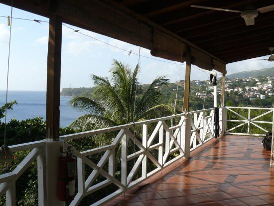 The Tamarind Tree Hotel & Restaurant: Notre varangue