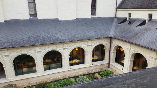 Fontevraud-l'Abbaye, Франция: 20151206_091954_large.jpg