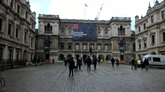 Royal Academy of Arts: The outside as we walked to the entrance