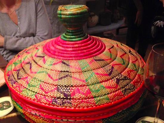 food presented in this beautiful basket photo de savanna francfort tripadvisor. Black Bedroom Furniture Sets. Home Design Ideas