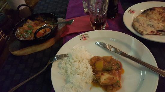 Solna, Suecia: Indisk Restaurang Sazna