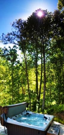 Leicester, Carolina del Norte: Enjoy Hot Tubs by the creek!