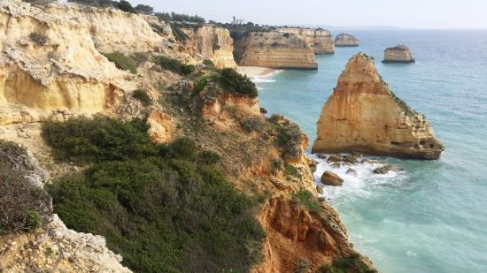 Praia da Marinha: Lookin East