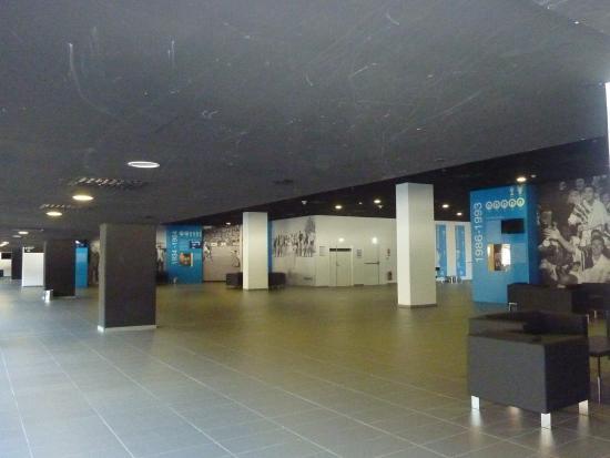 Un des salons photo de stade velodrome marseille for Salon ce marseille