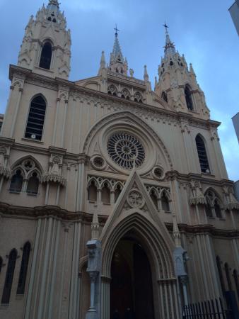 Sacred Heart Church (Sagrado Corazon): Frente da Igreja