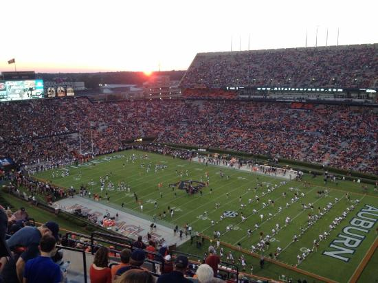 Auburn, ألاباما: Auburn Football