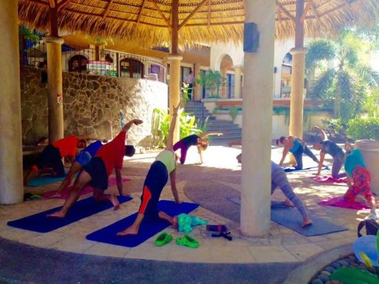 Província de Guanacaste, Costa Rica: Yogalates at La Plaza