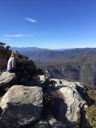 top of table rock overlooking linville gorge picture of table rock rh tripadvisor com