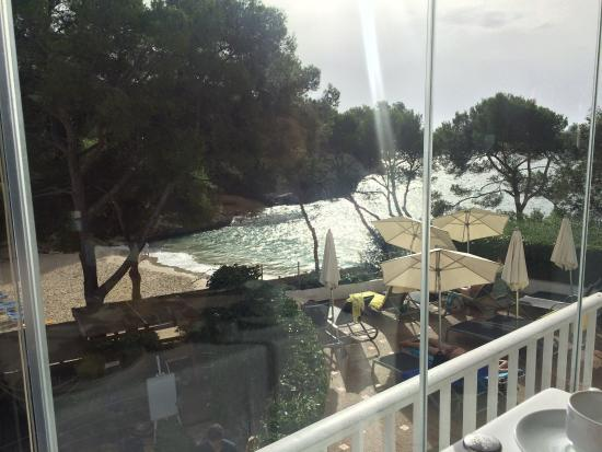 Hotel Cala d'Or: View from the breakfast area