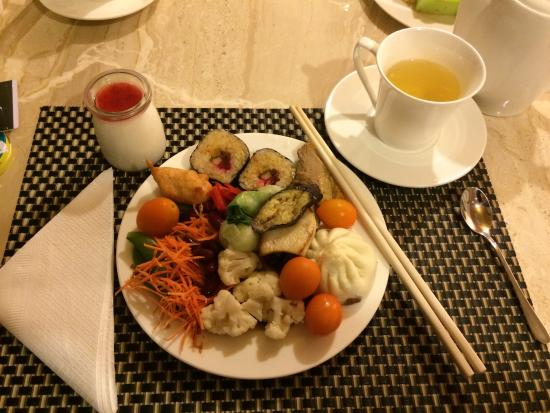 Holiday Inn Beijing Focus Square: Dinner at the hotel