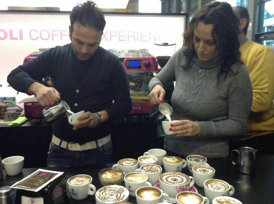 Piedimonte Etneo, Italia: Caffe Cali