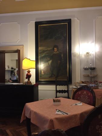 Locanda Sant'Agostin: Отель в тихом месте.Есть русскоязычный персонал!хороший завтрак ,крохотный номер,но чистый со вс