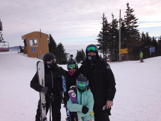 Beaupre, Canada: Family photo on the top of the mountain at Mont-Sainte-Anne