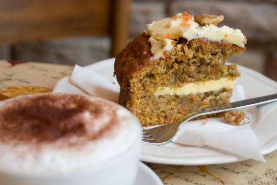 Ormskirk, UK: Homemade Carrot Cake