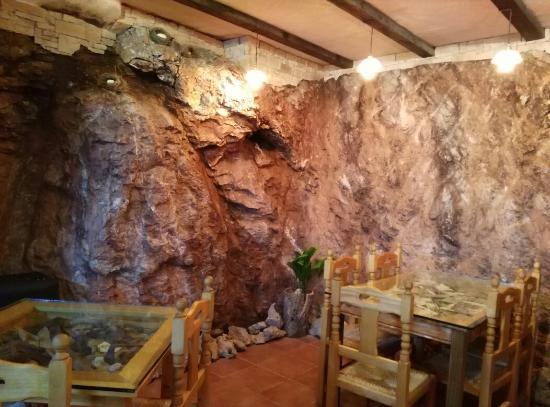 Alpandeire, สเปน: Cueva de cascada natural ,impresionante!!ven a verla.