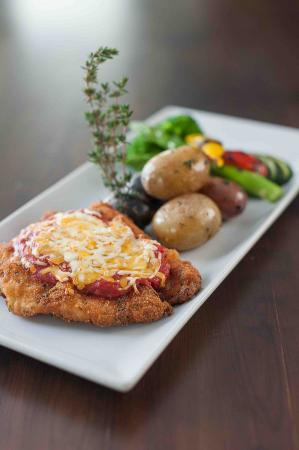 The Boathouse Eatery: Chicken parm