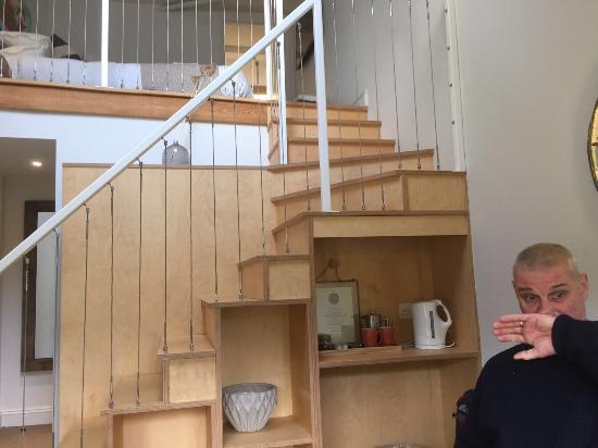 Bradford-on-Avon, UK: Split level stairway