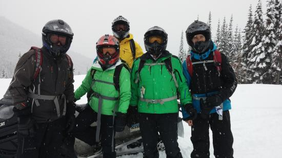 Golden, Kanada: Our group included two never-evers and we all had a blast. Guide Ryan on far right.