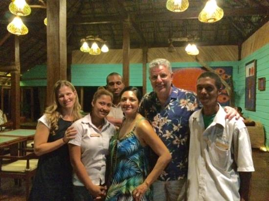 Little Corn Island, Nicarágua: Enjoying our time with Yemaya staff!