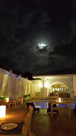 Terrace Restaurant: Full moon surprise
