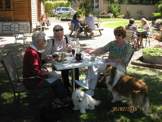Lunch in the garden at Patchwork Cafe, New Norfolk,Tasmania