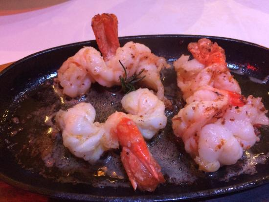 Crewe, UK: What a fabulous place to eat, brilliant food, just look at the king prawn salad and king prawns