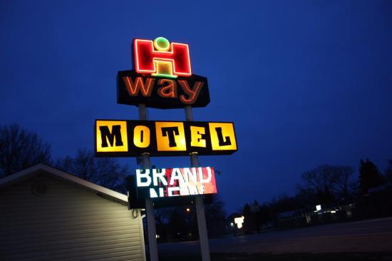 Hi Way Motel Sign