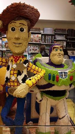 Disney Village: Lego