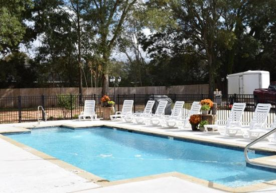 Theodore, AL: All About Relaxing RV Park - A Cruise Inn Park