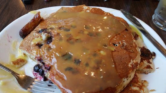 The Dalles, Орегон: Lemon/Blueberry Pancakes with Lemon Syrup