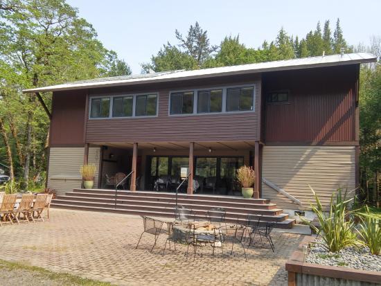 The Chetco River Inn: River Front Main Lodge