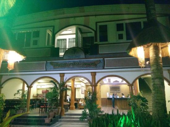 Boracay Royal Park Hotel: IMG_20160206_182657_large.jpg