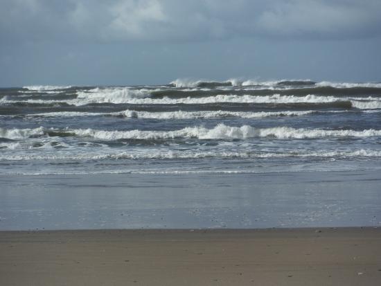 Manzanita, Oregón: nice surf..