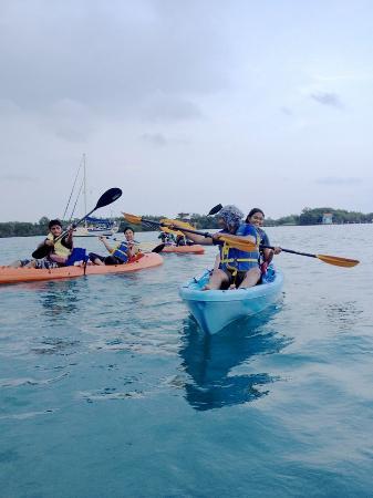 Paradise Vacation Hotel: we made full use of kayas