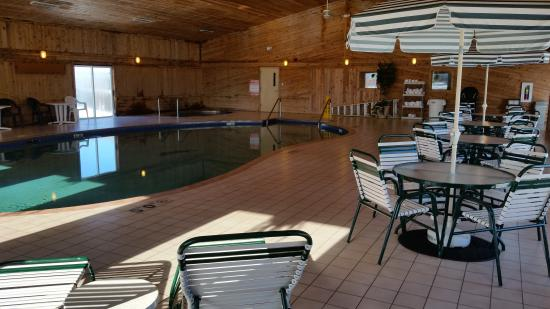 Superior, Ουισκόνσιν: Bay Walk Inn Pool