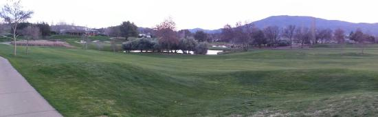Angels Camp, CA: We took a walk on the golf course this evening. Saw a few other resort people strolling along to