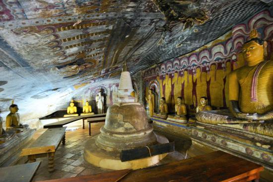 Dambulla, Sri Lanka: 多くの仏像