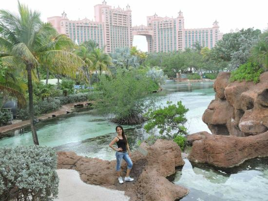 Atlantis Royal Towers, Autograph Collection: after the self guided tour...striking a pose