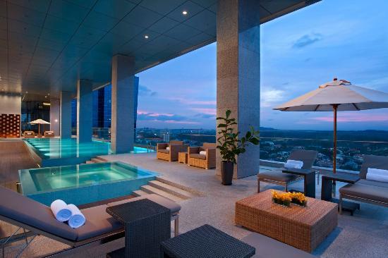 Oasia Hotel Novena Singapore Review