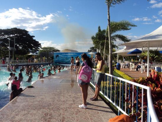 Foto de acuaparque de tardes cale as rozo cali r o lento for Presupuesto para construir una piscina en colombia